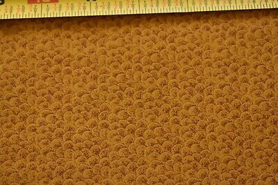 Fabric #1947 RJR Jinny Beyer Sold by 1//2 Yard, Holiday Blue /& Gold Print