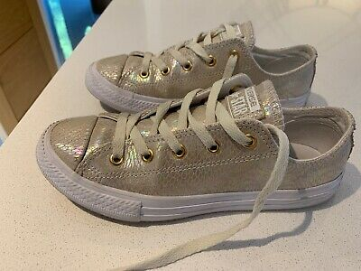 GIRLS LOW TOP GOLD IRRIDESCENT ALLSTAR CONVERSE TRAINERS Size 2 Mint Condition
