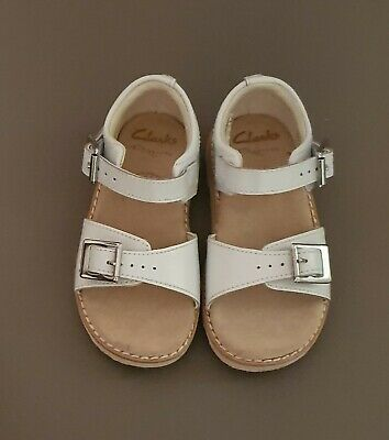 Size 6f Infant Girls White Clarks Leather Sandals