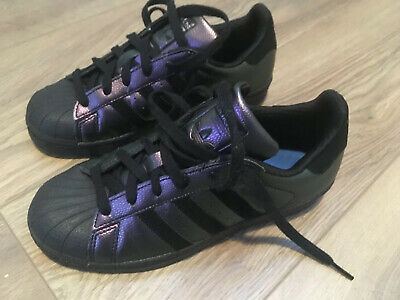 Ladies Adidas Superstar Trainers Size UK 4