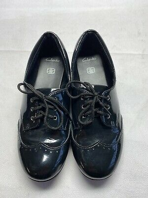 Clarks Girls Black Patent School Shoes Size 2F,look All Photos For Details