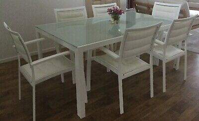 Patio Table - Glass Top - Aluminum Frame - 6 Chairs - Very Good Condition