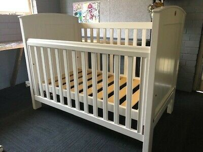 Boori Country Collection 3 in 1 cot/bed in white + mattress