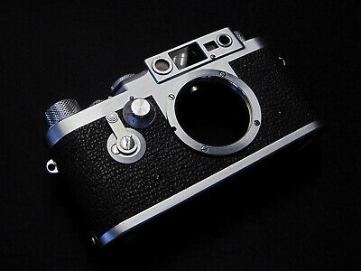 Leica IIIg 35mm Rangefinder Film Camera