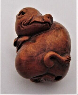 Antique japanese boxwood netsuke of a wild boar. Late meiji, signed