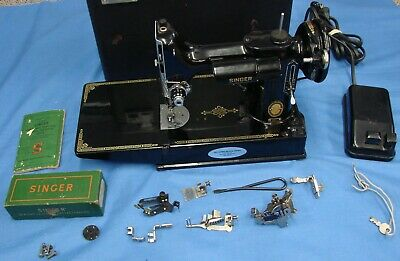 *BEAUTIFUL SINGER FEATHERWEIGHT 221 SEWING MACHINE 1953 w/ACCESSORIES & CASE*