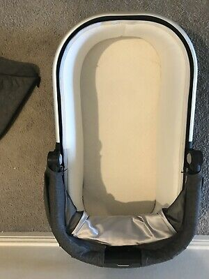 Uppababy Vista / Cruz Bassinet 2015 Charcoal Melange (Jordan) - Rarely Used
