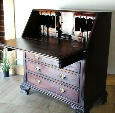 Drop Front Chippendale style Desk with drawers in very good condition