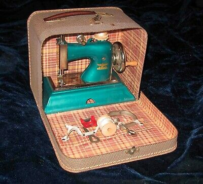 Lovely Emerald Green German CASIGE Toy SEWING MACHINE in Suitcase w/ Accessories