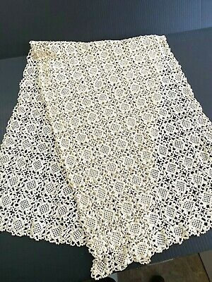 Vintage Beige Handmade, Crocheted Lace Table Runner/ Dresser Scarf, no. 308