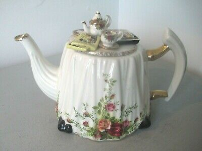 Royal Albert Old Country Roses Teapot - Novelty Victorian Tea Table Paintbox