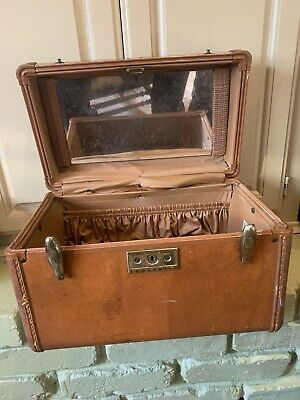 Vintage Retro Samsonite Streamlite Makeup Train Case Luggage Key Lucite No  Tray