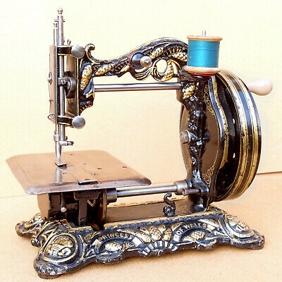 Antique Sewing Machine à Coudre. Princess of Wales, Newton Wilson.