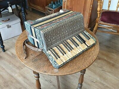 Vintage Scarlatti German Accordion