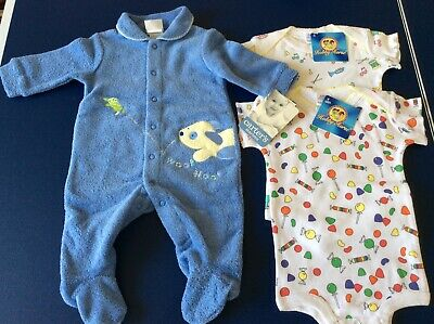New Baby Clothes Size 0-3 moths Lot