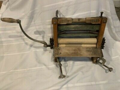 Vintage ANCHOR Brand Clothes Wringer Hand Crank Reversible- with Clamps e170