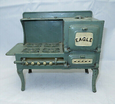 """LARGE Antique Circa 1920's Hubley Cast Iron """"Eagle"""" Child's Side Oven Toy Stove"""
