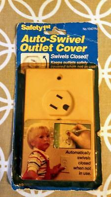 Safety 1St Auto-Swivel Outlet Cover Keeps Outlets Safely Covered White