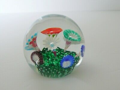 Mid -Century Modern Fratelli Toso MURANO Venetian Art Glass Floral Paperweight