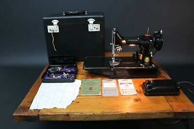 Singer 221K Sewing Machine Featherweight 1955 Case + Accessories Fully Working