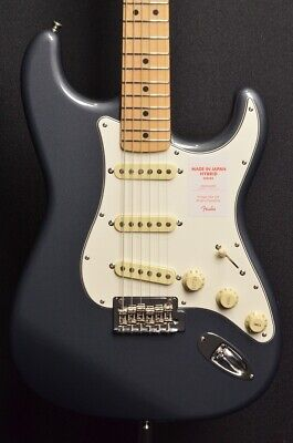 Fender Made In Japan Hybrid 68 Stratocaster Maple Fingerboard Charcoal Frost