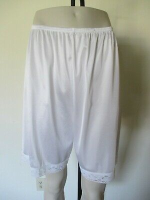 Vintage Vanity Fair 100% Nylon Long Leg Bloomers Panties Pettipants Large Usa