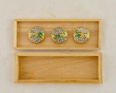 Meiji Japanese Satsuma set of 3 painted floral blossom buttons signed Kinkozan