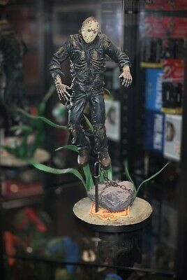 Friday the 13th Jason Voorhees sideshow collectibles statue scream Scene VHTF