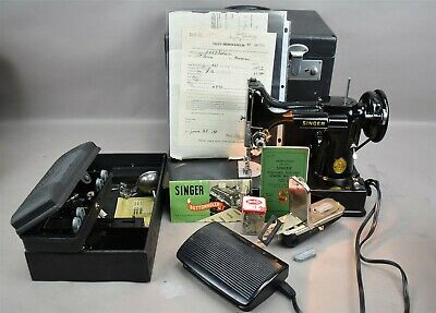 Vtg SINGER 221-1 Portable Electric Sewing Machine Featherweight w Buttonholer