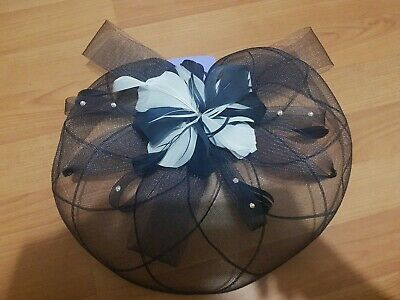 Navy & Cream Feather Mesh Fascinator Clip On Head Piece Wedding Bnwt Claires