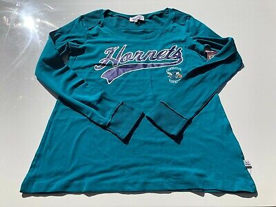 Touch By Alyssa Milano Womens T Shirt Size Small Charlotte Hornets Green LS