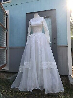 Vintage 1980's Dynasty White Puffy Lace Satin Wedding Gown Diana