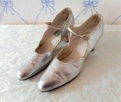 Vintage Antique 1920s Silver  LEATHER SHOES Heels Size 6 Strap w/ pearl button
