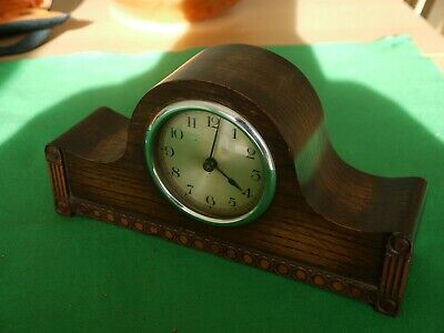 Very Nice Working Antique Hardwood Oak ? Mantel Clock With Key