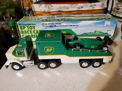 VINTAGE 1993 BP TOY RACE CAR CARRIER TRUCK TRAILER - Limited Edition  - NICE !