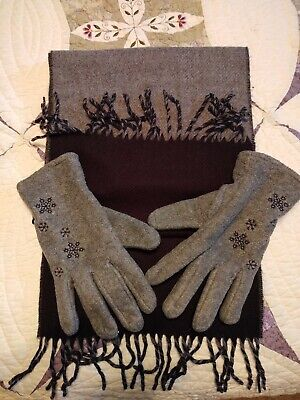 Ladies Scarf and Gloves