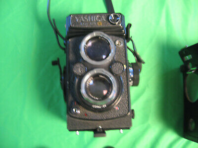 Yashica Mat-124G Medium Format TLR Vintage Film Camera with Case & Accessories