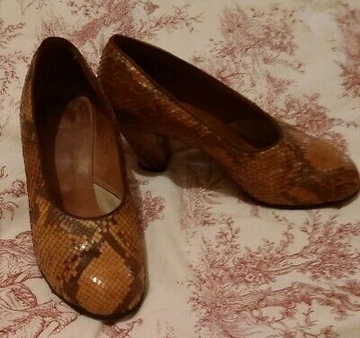 Vintage 1940's snakeskin shoes 6.5 beautiful condition