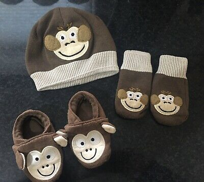 Debenhams Hat, Gloves & Slippers Set 6-12 Months