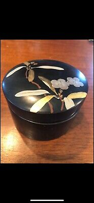 Vintage Hand Painted Wooden Black Laquer Round Box With 6 Coasters Made In Japan