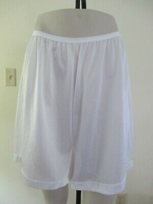 Vintage Smart Fit 100% Nylon Bloomers Panties Pettipants White Usa Pillow Tab 10