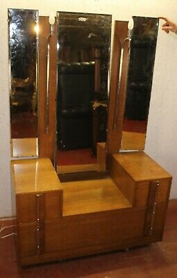 1930's Art Deco Oak Dressing Table with Triple Mirror and Lights.