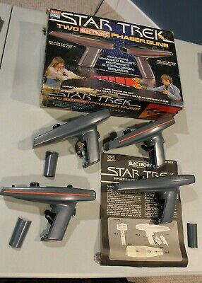 WORKING 1979 Star Trek Electronic Phaser Gun Game complete w/ box instructions