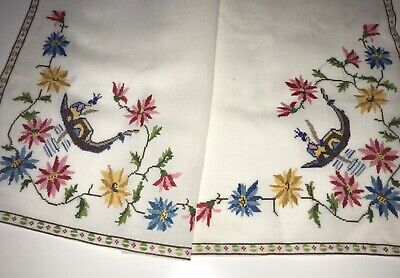 Vintage Linen Hand Embroidered Tablecloth Chinoiserie Geisha Gondola