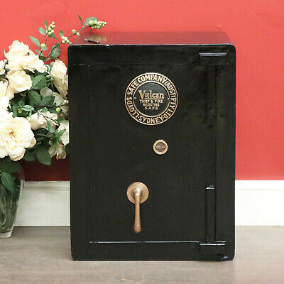 Antique Safe, Lloyds Safe Company (Aust) Sydney Vulcan Thief & Fire Resisting