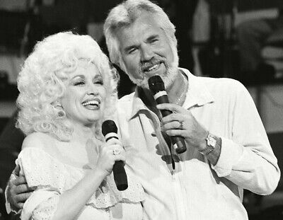Dolly Parton Kenny Rogers Unsigned 8x10 Photo (B)