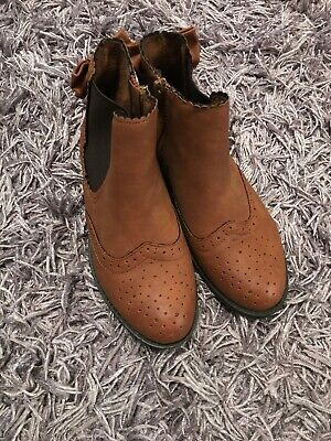 Matalan Girls Tan Boots Size 1 Excllent Condition