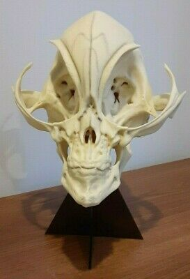 REPLICA ALIEN SKULL With Stand 1996