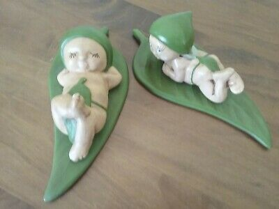 LOVELY VINTAGE SNUGGLEPOT AND CUDDLEPIE FIGURINES 20cm LONG. MARKED MOIRA 4B