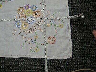 Vintage linen hand embroidered large tablecloth Daisy Flowers bowl hemstitch